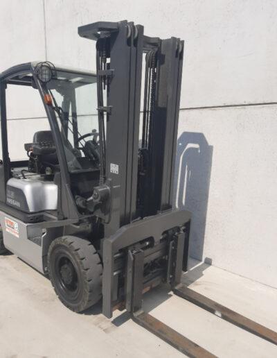 2,5 Ton tweedehands diesel heftruck - mast
