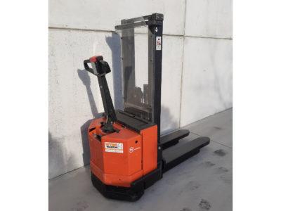 BT 1,2 ton tweedehands elektrische stapelaar - zijkant