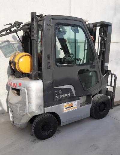 Nissan 1,8 ton tweedehands heftruck - zijkant