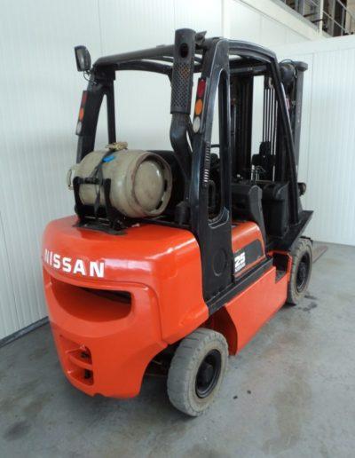 Nissan 2,5 ton tweedehands heftruck - achterkant