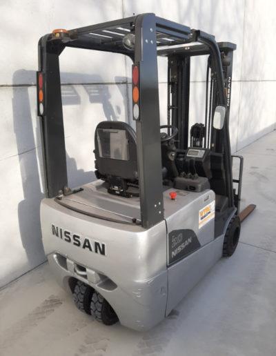 Nissan 2 ton tweedehands heftruck - achterkant