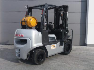 Nissan 3,2 ton tweedehands heftruck - achterkant