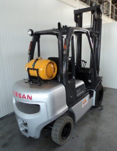 Nissan 3 ton tweedehands heftruck - achterkant