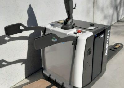 UniCarriers 2 ton elektrische pallettruck - achterkant