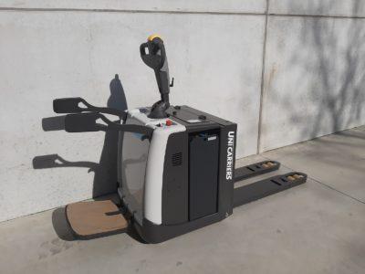 UniCarriers 2 ton elektrische pallettruck - zijkant