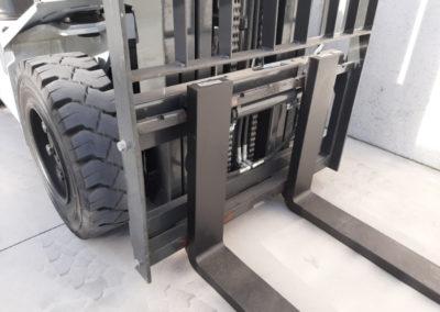 UniCarriers 3 ton tweedehands heftruck - vorkenbord