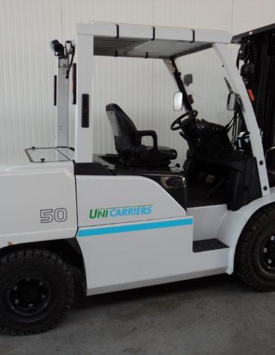 UniCarriers 5 ton tweedehands heftruck - zijkant