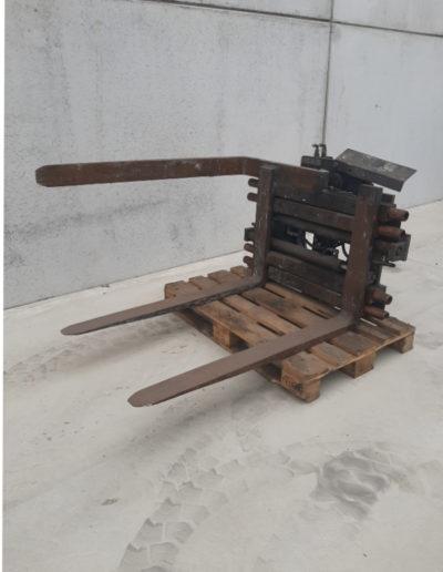 3 ton tweedehands hydraulisch rotator met 3 vorken en vorkenklem