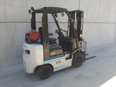1,8 Ton LPG heftruck - zijkant