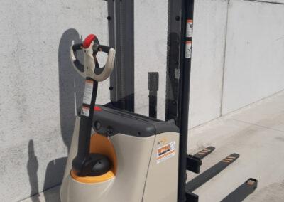 Crown 1 Ton elektrische stapelaar - achterkant