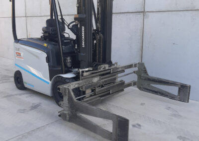 2,5 ton elektrische heftruck met Balenklem