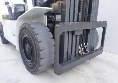 5 ton 2dehands Diesel heftruck - vorkenbord