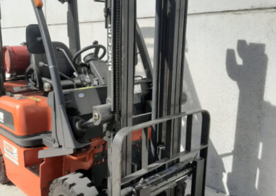 Nissan 1,8 Ton tweedehands LPG heftruck - mast