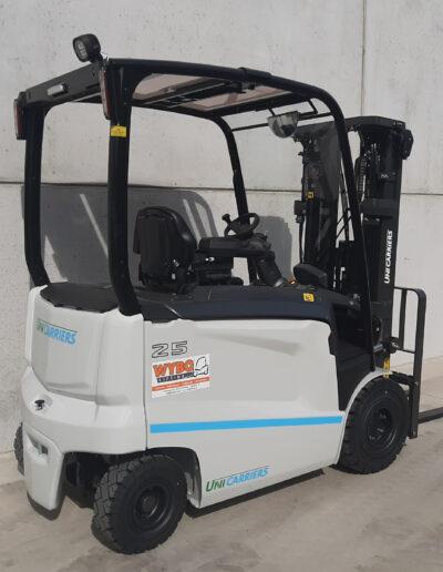 UniCarriers 2,5 Ton nieuwe elektrische heftruck - zijkant