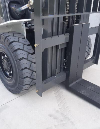 Nissan/UniCarriers 5 Ton diesel heftruck - voorbouw