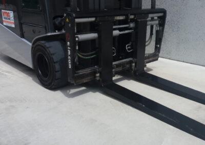2 ton 2dehands elektrische heftruck - vorkenbord
