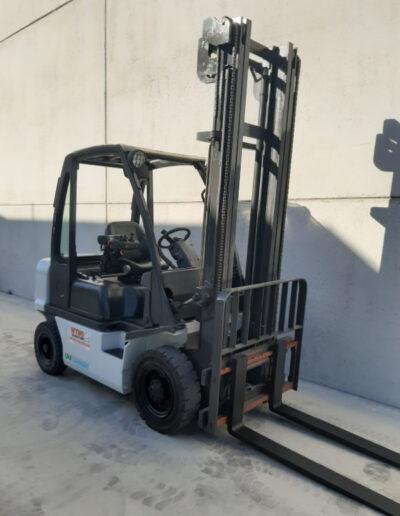 2,5 Ton tweedehands LPG heftruck - mast
