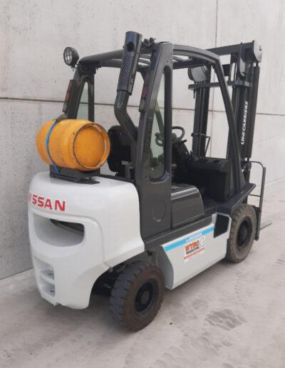 2,5 ton 2dehands LPG heftruck - achterkant