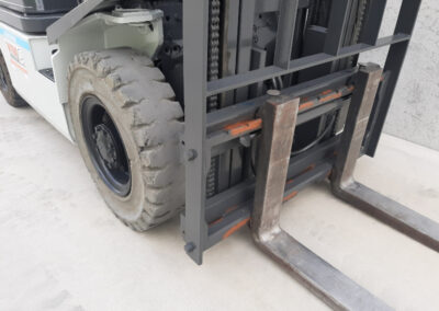 2,5 ton tweedehands LPG heftruck - voorbouw