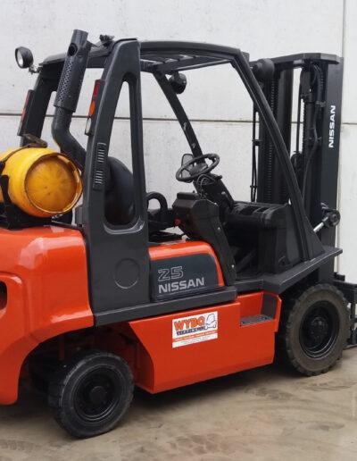 Nissan 2,5 ton 2dehands heftruck - zijkant