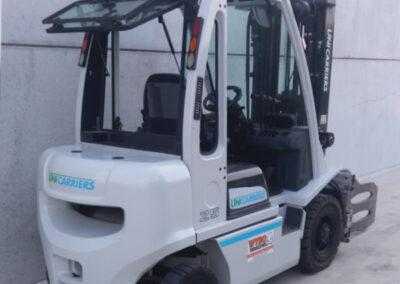 2,5 Ton tweedehands diesel heftruck - achterkant