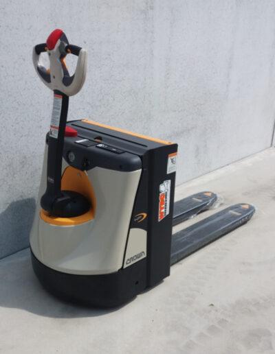 Crown 2 Ton elektrische hoogheffer - achterkant