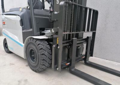 UniCarriers 2,5 ton elektrische heftruck - vorkenbord