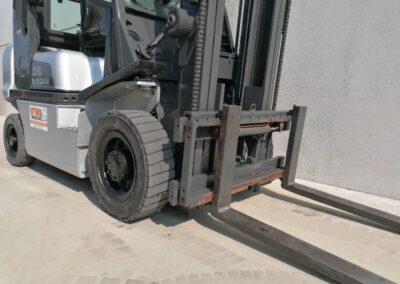 Nissan 2,5 ton tweedehands diesel heftruck - mast