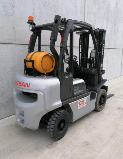 Nissan 2,5Ton 2dehands LPG heftruck - achterkant