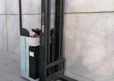 1,6 Ton 2de hands compacte elektrisch instaande stapelaar Nissan_UniCarriers - mast