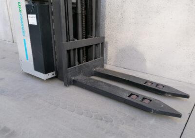 1,6 Ton 2de hands compacte elektrisch instaande stapelaar Nissan_UniCarriers - voorbouw