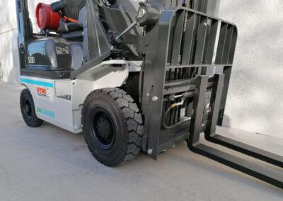 1,8 Ton nieuwe LPG heftruck Nissan_UniCarriers - voorbouw