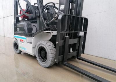 UniCarriers 1,5 ton nieuwe LPG heftruck - voorbouw