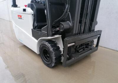 UniCarriers 1,6Ton tweedehands elektrische heftruck - voorbouw