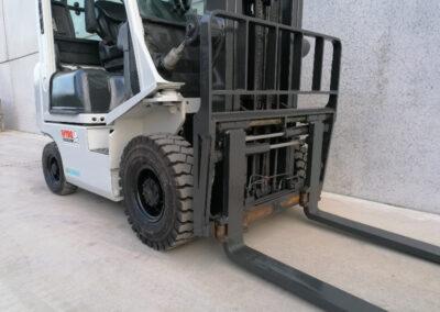 UniCarriers 1,8 Ton Diesel 2de hands heftruck - vorkenbord