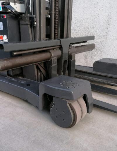 UniCarriers 2,5 ton 2de hands elektrische zijlader_sideloader - voorbouw