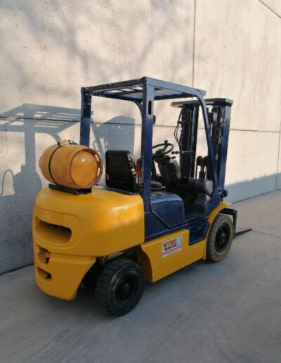 Komatsu 2,5 Ton 2dehands LPG heftruck - achterkant