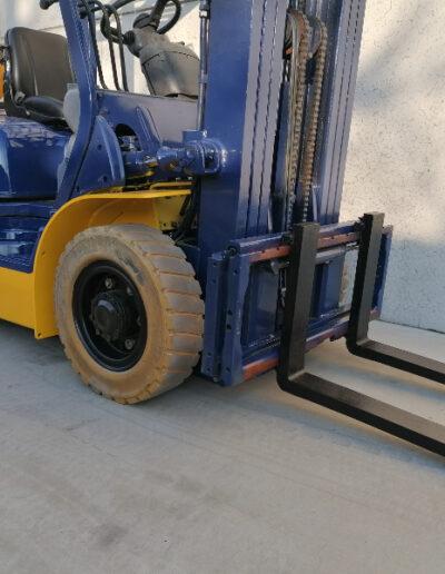Komatsu 2,5 Ton tweedehands LPG heftruck - voorbouw