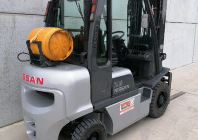 Nissan 2,5 Ton 2dehands LPG heftruck - achterkant