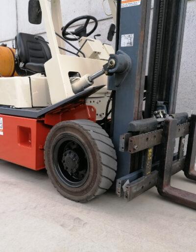 Nissan 2,5 ton 2dehands LPG heftruck - voorbouw