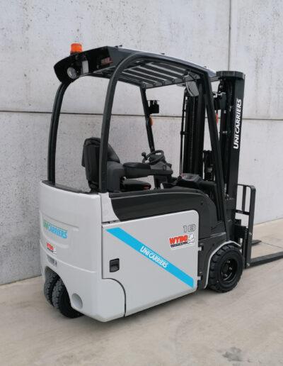 UniCarriers 1,8 Ton nieuwe elektrische 3 wiel heftruck - zijkant