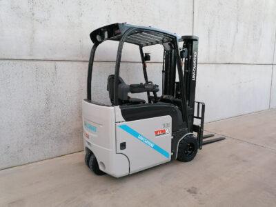 UniCarriers 1,8 Ton nieuwe elektrische heftruck - zijkant