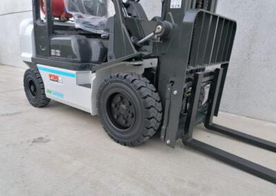UniCarriers 3,2 Ton nieuwe LPG heftruck - vorkenbord