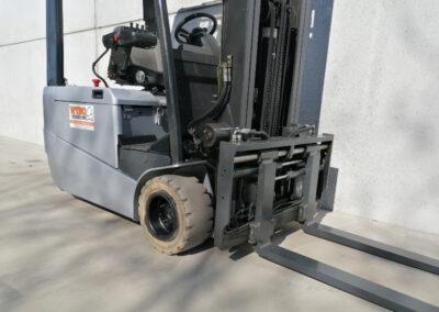 Nissan 1,8 ton 2de hands elektrische heftruck - voorbouw