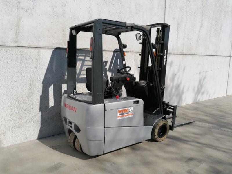 Nissan 1,8 ton tweedehands elektrische heftruck - zijkant