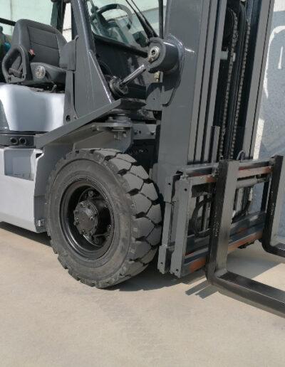 Nissan 2,5 ton lpg heftruck - voorbouw