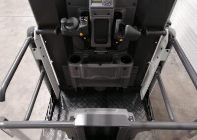 UniCarriers - Atlet EPM nieuwe orderpicker - cabine