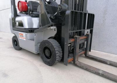 Nissan 1,8 ton tweedehands LPG heftruck - voorbouw