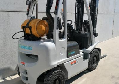 Nissan 2 ton tweedehands LPG heftruck - achterkant