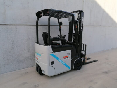 UniCarriers 1,5Ton nieuwe elektrische 3-wiel heftruck - zijkant